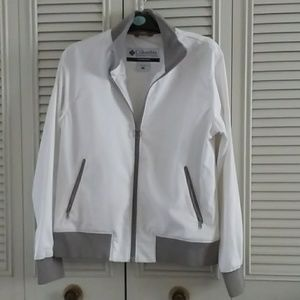 Columbia White Jacket - w/ Factory flaw